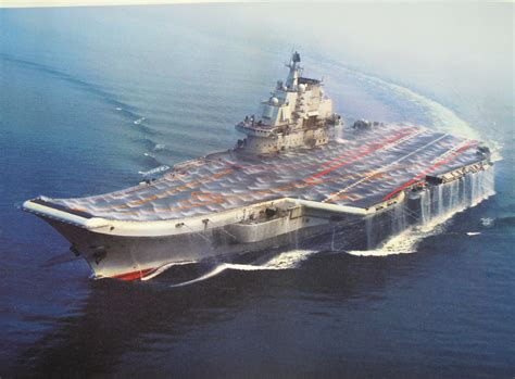 portaerei russe decontaminating aircraft carrier liaoning cv 16