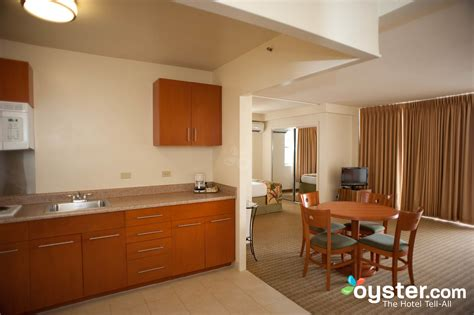 2 bedroom suites honolulu the one bedroom suite at the aqua waikiki pearl oyster com