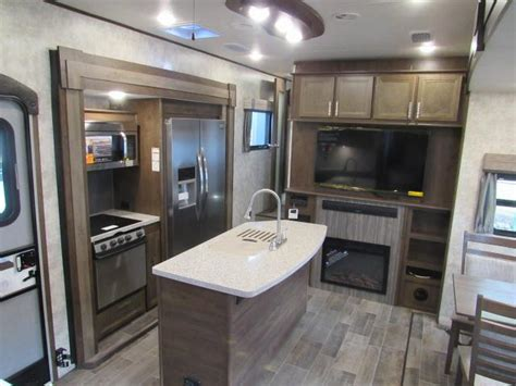 2017 open range 376fbh front living room or 2nd bedroom front kitchen fifth wheel room image and wallper 2017