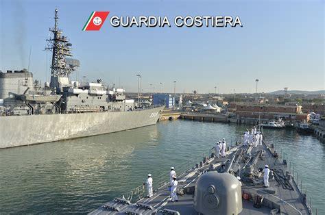 capitaneria di porto di taranto la marina militare giapponese in visita alla capitaneria