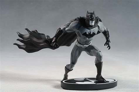 joker statue by jim lee 2nd edition batman black and white spac review and photos of batman black white new 52 statue by dcd