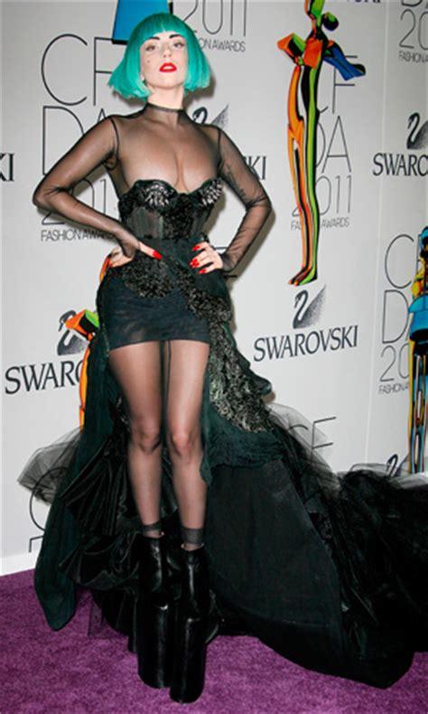 lady gaga  green   cfda fashion awards