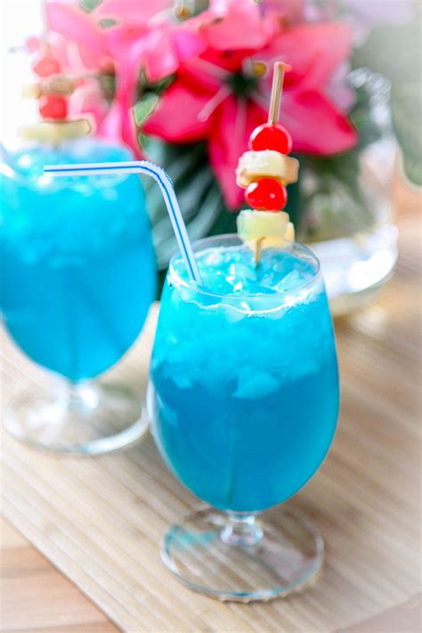 blue cocktails blue hawaiian recipe baking beauty