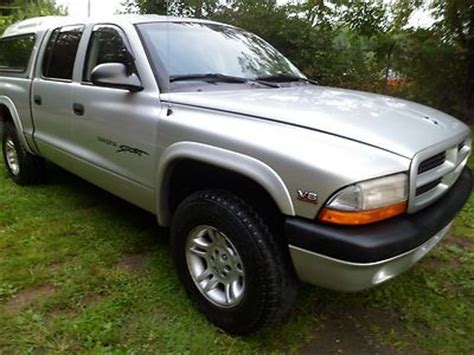 purchase used 2001 dodge dakota sport 4x4 quad cab 4 door 4 7liter 8cylinder w airconditioning