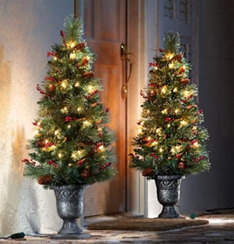 porch christmas trees 95 amazing outdoor christmas decorations digsdigs