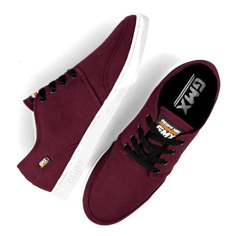 Sepatu Casual Pria Dewasa merk sepatu casual pria yang cocok untuk jalan jalan