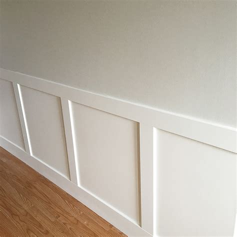 White Bathroom Ideas by Super Easy Diy Wainscoting The Bewitchin Kitchen