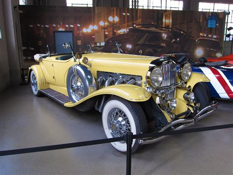 yellow rolls royce great gatsby file warner brothers studio tour the great gatsby car