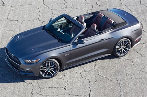 2015 Ford Mustang Gt Convertible 2015 ford mustang convertible look motor trend