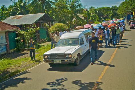 funeral practices and burial customs in the philippines