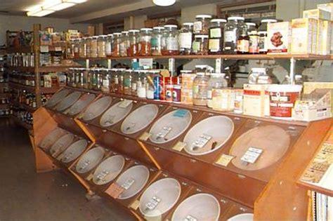bulk store buying from bulk bins reduces waste my zero waste