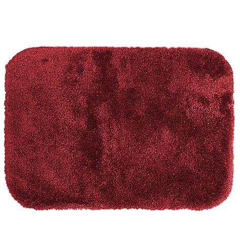 Wamsutta Duet Bath Rug Buy Wamsutta 174 Duet 20 Inch X 34 Inch Bath Rug In Wine From Bed Bath Beyond