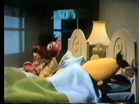 Sesamstrasse Ernie L 228 223 T Bert Nicht Einschlafen
