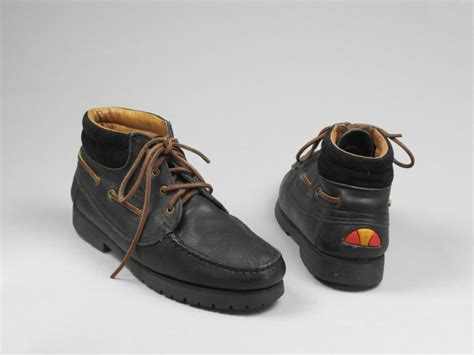 pair of boots ellesse v a search the collections