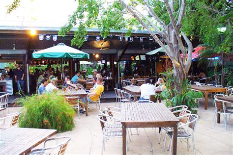 lizards outdoor bar and grill darwin menus reviews
