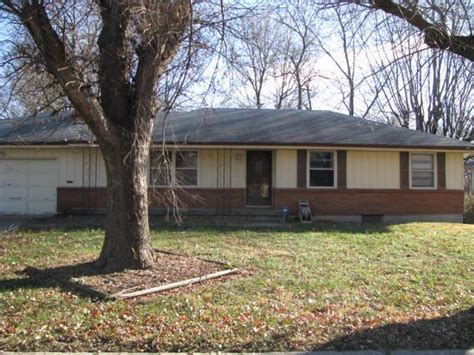 10101 cambridge avenue kansas city mo 64134 foreclosed