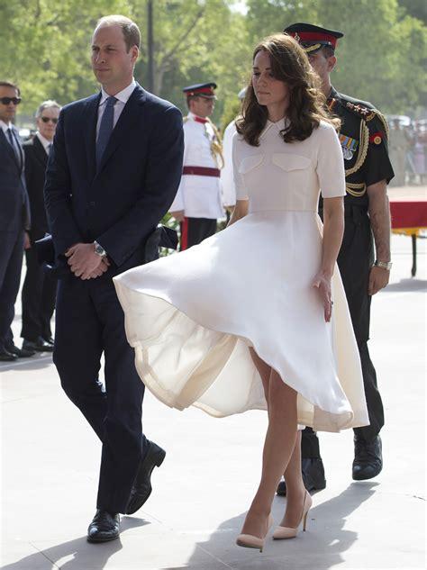 kate middleton dress blows up wallpaper