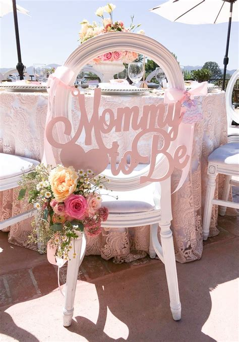 To Be Baby Shower Chair by Best 25 Shower Chair Ideas On Baby Showers