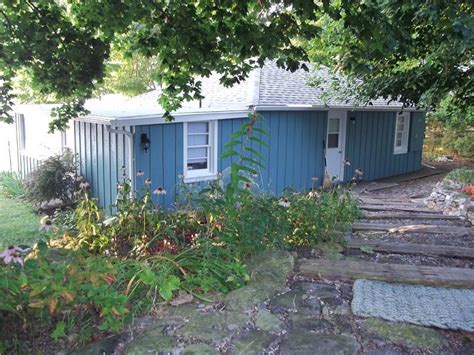 Lake Erie Cottages For Rent by Rocky Shore Cottage Lake Erie Dunnville Cottage Rental