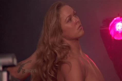 Ronda Rousey Nips | how hot is ronda rousey on a scale of 1 10