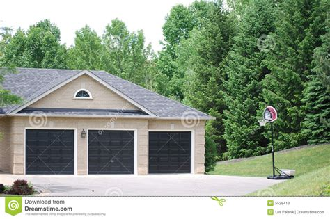 3 door garage three door car garage stock photos image 5528413