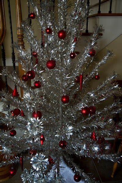 christmas tinsel trees images  pinterest vintage holiday christmas trees