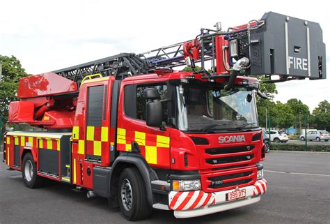 Lu Emergency Tl turntable ladder arrives in south south