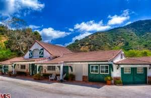 Small House With Garage The Robert Taylor Ranch 56 000 000 Pricey Pads