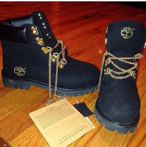 shoes chain laces timberlands and gold chain black