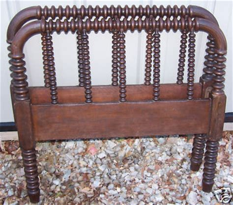antique spindle bed beautiful antique jenny lind wood spindle spool bed