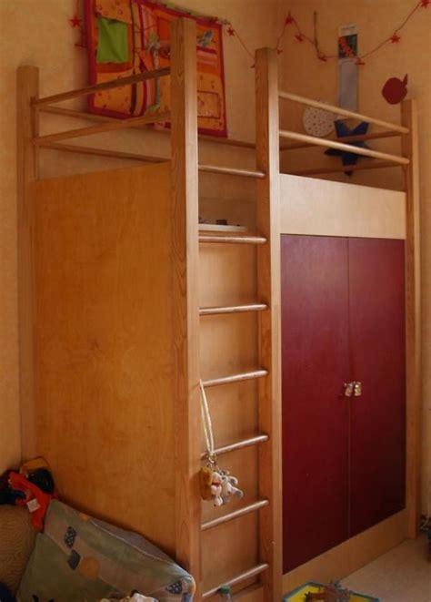 hochbett mit integriertem schrank hochbett mit integriertem kleiderschrank de pumpink
