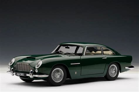 autoart aston martin db5 autoart aston martin db5 green 70212 in 1 18 scale