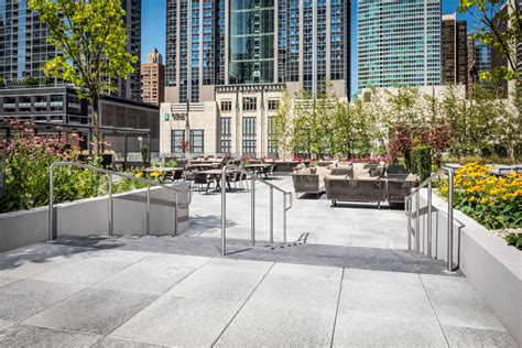 Unilock Chicago Ce Center Trends In Outdoor Amenity Spaces