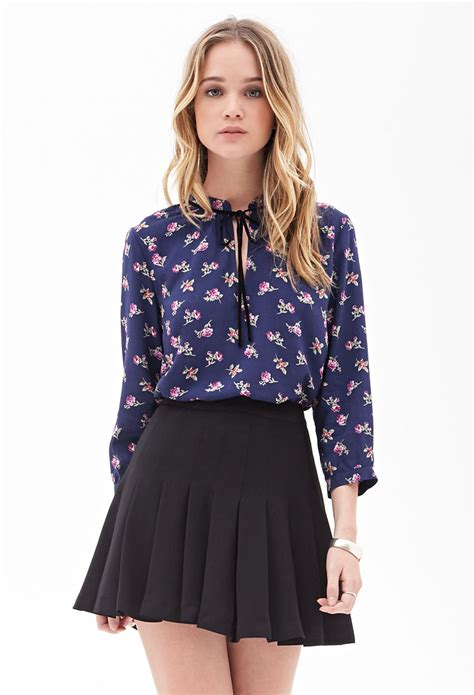503 1 Blouse Flower forever 21 spotted floral blouse in blue lyst