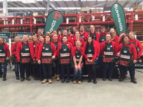 bathroom warehouse mandurah former dockers captain peter bell opened the new bunnings warehouse in halls head community news group