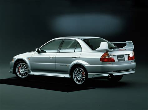 mitsubishi lancer evo 5 mitsubishi lancer evolution through the years autoevolution