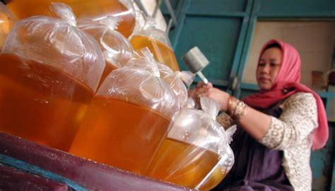 Minyak Goreng Curah Per Kg riautrust pedagang siak mulai dilarang jual minyak