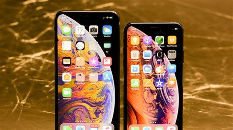 apples iphone xs xs max incrementally   bigger