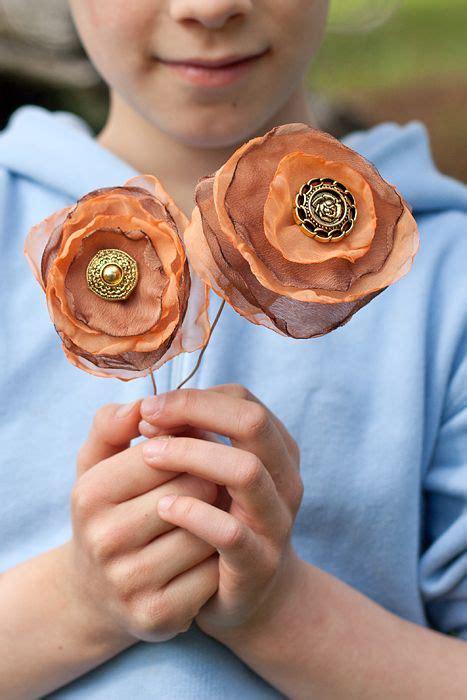 fiori in tessuto tutorial oltre 25 fantastiche idee su fiori in tessuto su