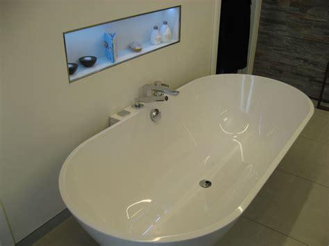 badewanne einbauen kosten freistehende badewanne halb einbauen innenr 228 ume und