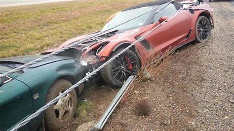 rent a corvette in michigan 2015 chevrolet corvette z06 convertible crashes in michigan