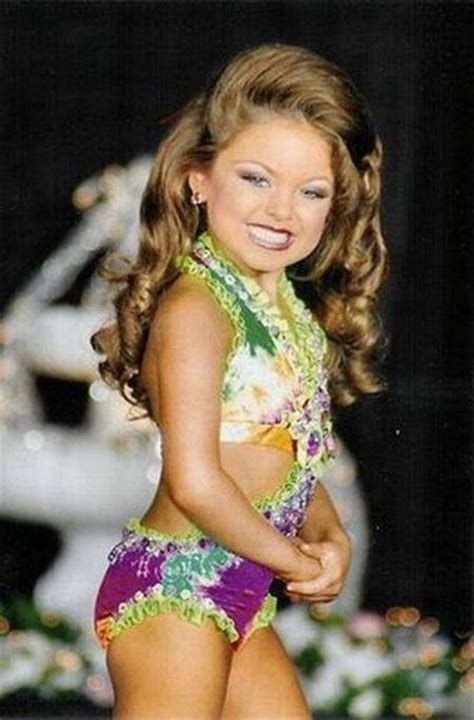 Thread child beauty pageant
