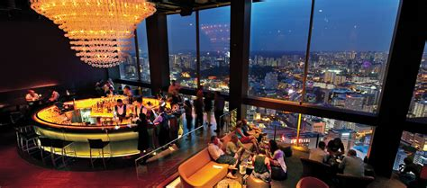 top 5 bar singapore singapore nightlife on a budget via com travel blog
