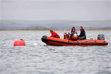 catamaran sailing courses uk rya safety boat rutland sailing school