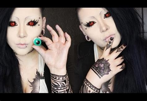 tokyo ghoul cosplay with tokyo ghoul contacts coloured