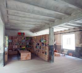 Office In Garage Let S Stay A Former Abandoned Garage Is Transformed Into