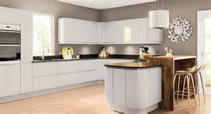 Www Kitchen Collection Com Had A Quote From Wren Kitchens Poole Looking For A Better