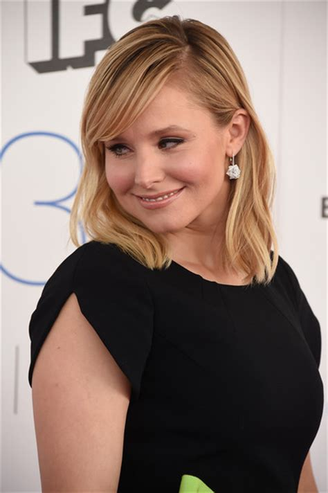 kristen bell medium straight cut edgy chic kristen bell more pics of kristen bell medium straight cut with bangs