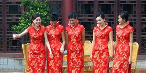 Baju Imlek Remaja malaysia larang artis berpakaian tradisional china merdeka