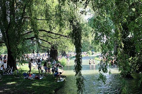Englischer Garten München Die Welle by Established Since De Eisbach Im Englischen Garten M 252 Nchen